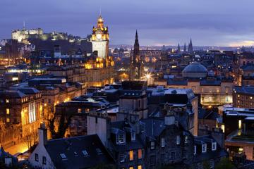 Recorrido turístico por los fantasmas de Edimburgo con guía que habla...