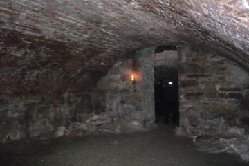Rundgang durch unterirdische Gewölbe...