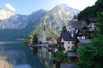 Daily Door to door Shared Shuttle bus from Cesky Krumlov to Hallstatt