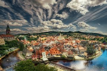 Private Sightseeing Trip from Prague to Hallstatt via Cesky Krumlov with a Guided tour
