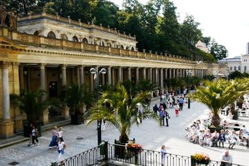 Private tour from Cesky Krumlov to Karlovy Vary