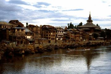 Private Tour: Full-Day Old Srinagar...