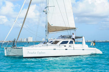 Viaje en barco a Isla Mujeres desde...