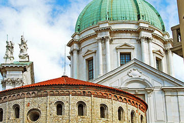Brescia Sightseeing Tour from Milan with Franciacorta Private Wine Tasting and Lunch
