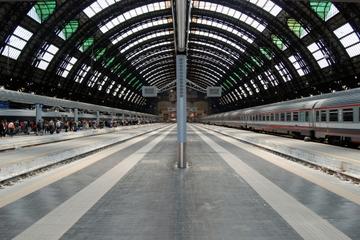 Transfert privé à l'arrivée à la gare ferroviaire de Naples