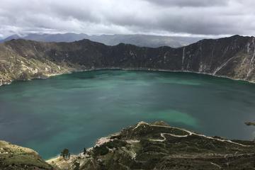 Excursión de un día compartida a la laguna del cráter Quilotoa desde...