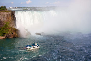 Day Trip Niagara Falls in One Day: Deluxe Sightseeing Tour of American and Canadian Sides near Niagara Falls, Canada