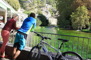 Private Guided Bike Tour Around L'Isle sur la Sorgue from Avignon