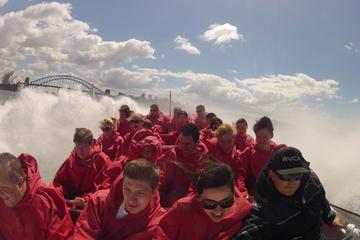 Giro con jet boat nel porto di Sidney: 30 minuti