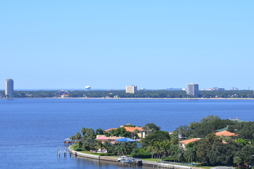 Hubschrauberrundflug über Tampa Bay...