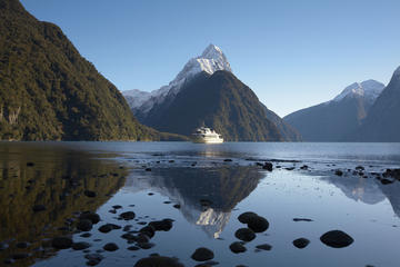 Full-Day Milford Sound Discovery Day Trip from Queenstown