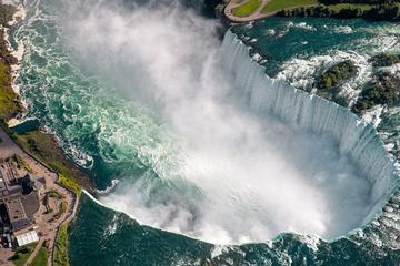 Niagara Falls Guided 9 Hour Day Trip with Round-trip Transfer