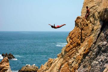 Acapulco City Tour with Cliff Diver Show