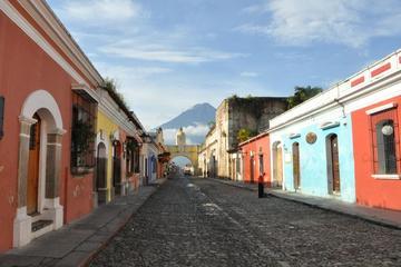 Recorrido por la mañana hasta Antigua Colonial desde la ciudad de...
