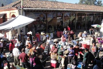 Tour de un día completo: Mercado maya de Chichicastenango y lago...