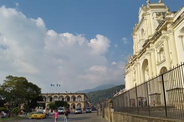Visita a pie por Antigua Colonial por la tarde