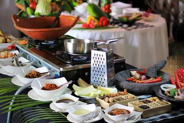 Traditional Balinese Cooking Class with Market Visit and Lunch in...
