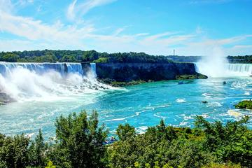 Niagara Falls Sightseeing tour with Wine Tasting