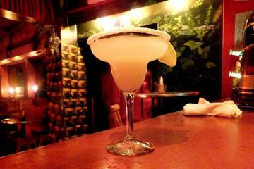 Night Tour in Guayaquil with Drinks at La Paleta Bar