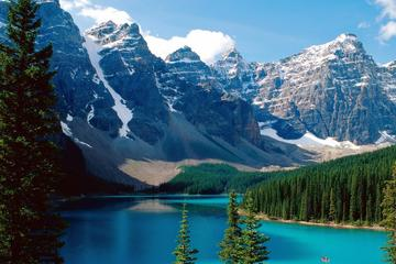 Private Hotel Transfer: Calgary International Airport to Banff