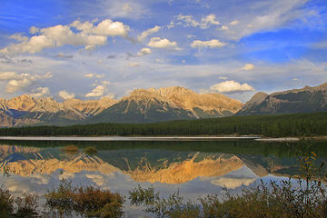 Private Departure Transfer: Canmore or Kananaskis Country to Calgary...