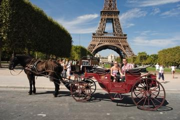 Romantisk tur med hest og kjerre gjennom Paris