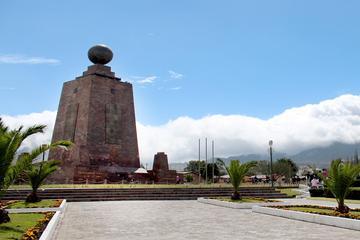 Visita al Monumento Mitad del Mundo desde Quito
