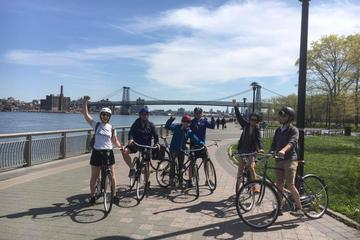 Lower Manhattan Bike Tour from Brooklyn