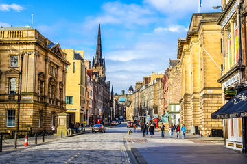 Scottish Dining Experience: Eat with an Edinburgh Local