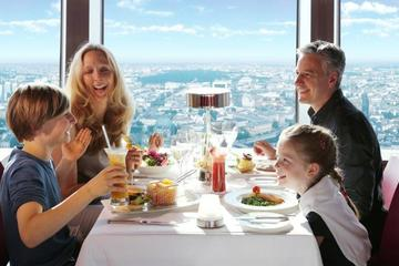 Billet coupe-file: Petit-déjeuner au champagne à la tour de...