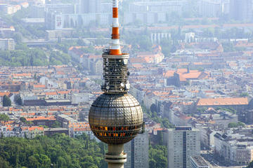 Gå forbi køene: Billett til fjernsynstårnet i Berlin