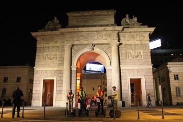 Excursão noturna de segway em Milão