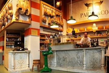 Tour gastronomico a piedi di Brera a Milano