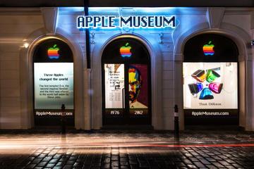 Entrada al museo de Apple en Praga