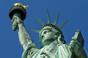 Visita guiada en grupo pequeño a la Estatua de la Libertad y la Isla...