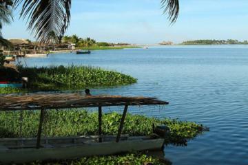 Recorrido por la laguna de Coyuca en...