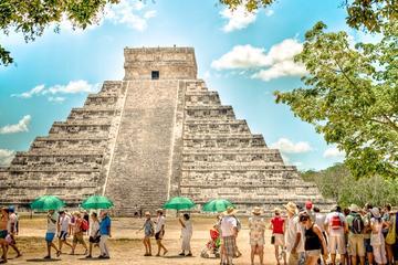 Excursión de un día guiada al yacimiento arqueológico maya de Chichén...