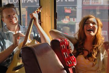 Excursão de Ônibus Mojo com música...