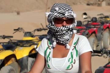 Escursione a terra a Hurghada: giro in quad nel deserto egiziano da