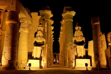 Espetáculo de som e luz de Karnak com...