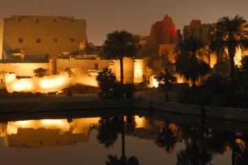 Excursão no litoral Luxor: Templos de Karnak, espetáculo de som e luz...