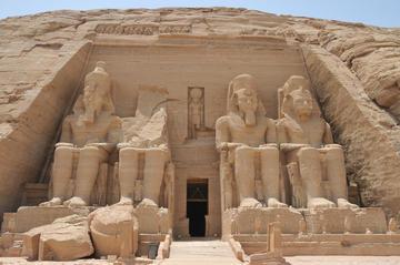 Excursão privada: voo para Abu Simbel e excursão saindo de Assuã