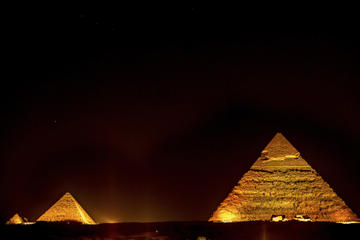 Pyramiderne, lyd- og lysshow med privat transport