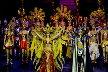 Small group tour to enjoy impressive Golden Mask Dynasty Show