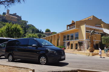 Private transfer from Marseille Airport to Avignon