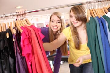 Excursão de compras para adolescentes e acessórios da moda em Paris