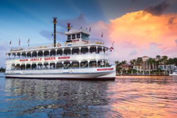 Dîner-croisière sur le bateau fluvial Jungle Queen et spectacle