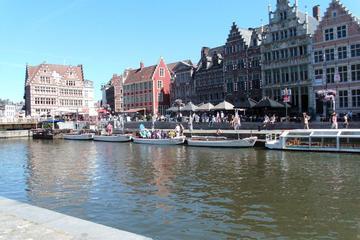 Viagem de barco guiada em Gante