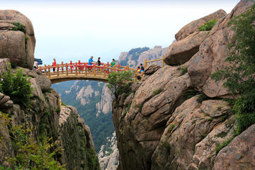 All-Inclusive Private Day Tour: Qingdao Highlights with Lunch