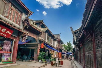 From Chengdu: Giant Pandas And Luodai Ancient Town In One Day